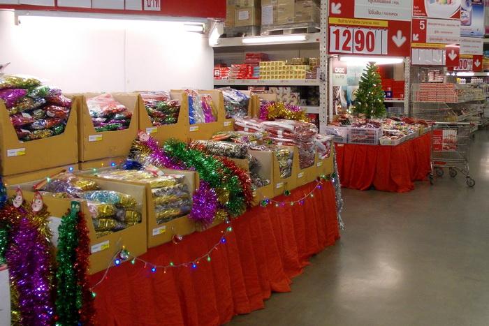 Новогодний базар в Макро