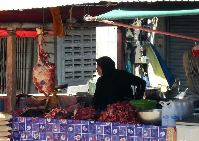 Рынок на пограничном пункте Khuandon