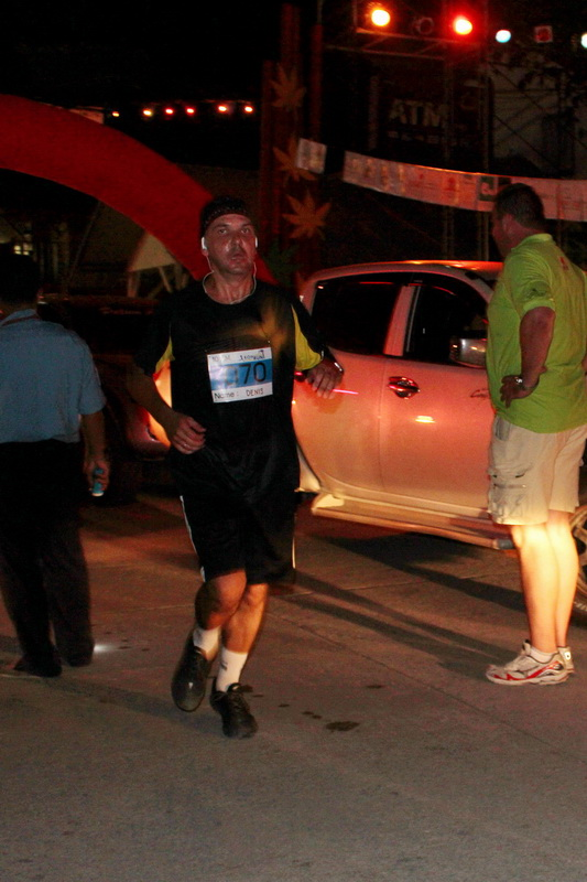 Финиширую на Samui Midnight Run