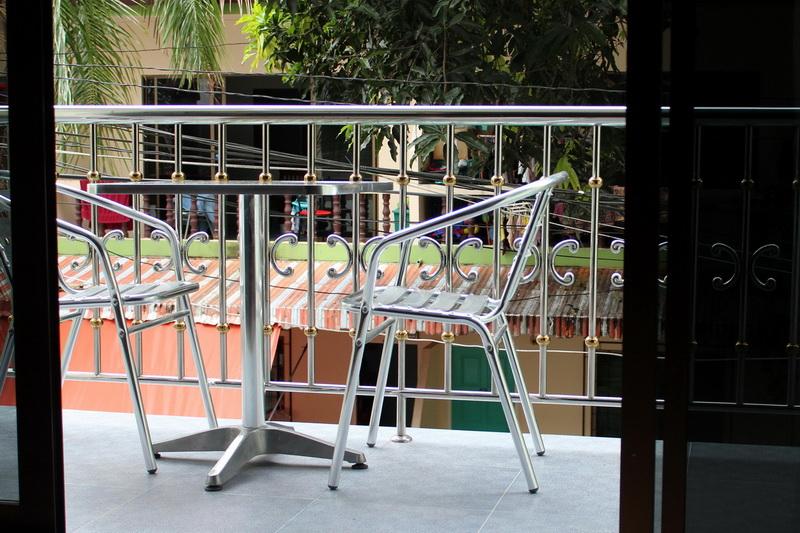 Балкон в отеле Phuket Tropical Inn