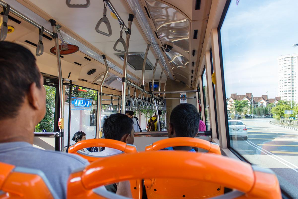 Автобус Rapid
