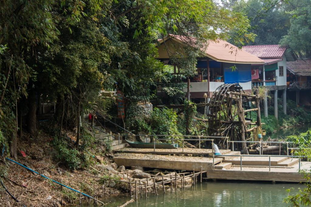 Водяная мельница в парке Кхао Яй