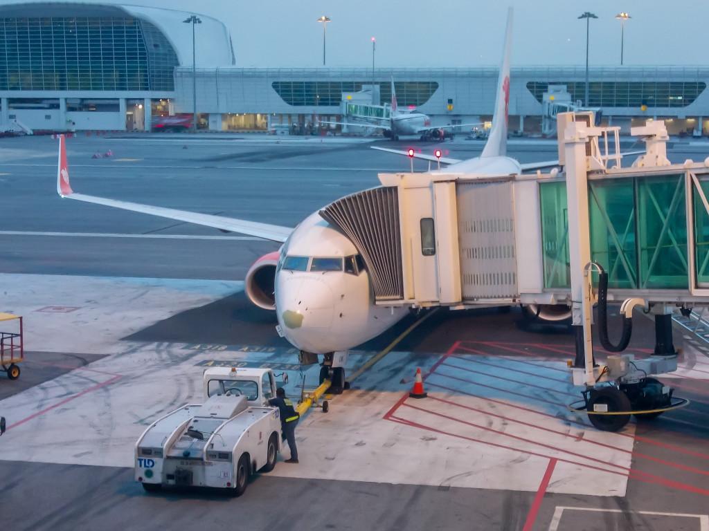 B737 в ожидании пассажиров