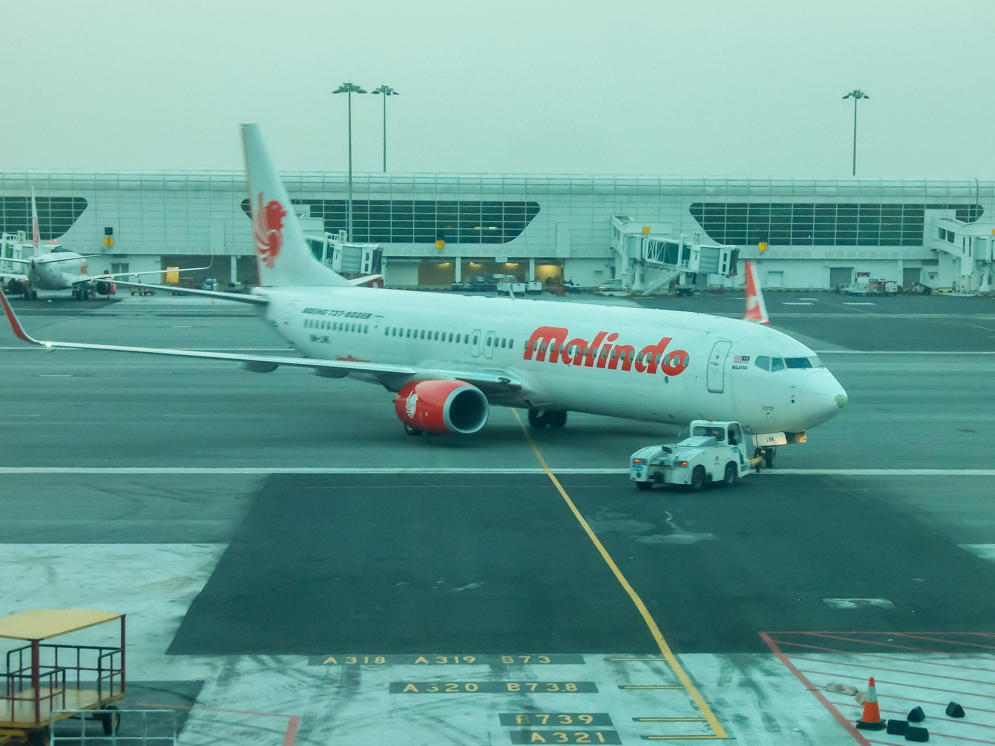 B737 Malindo Air увозят