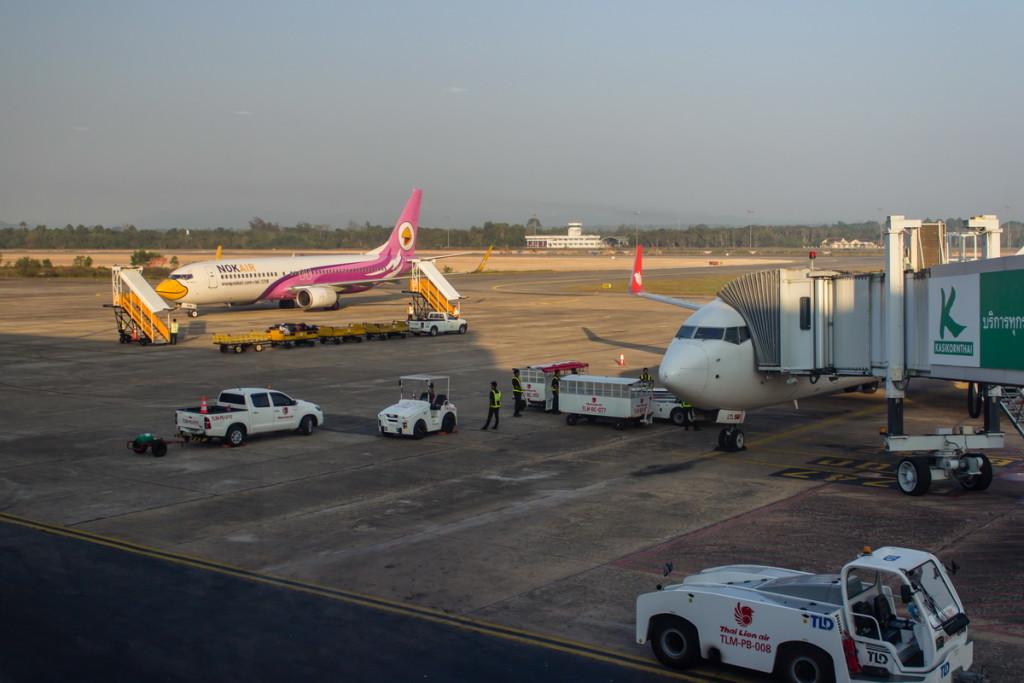 Боинги НокЭйр и ТайЛайон в аэропорту Сураттани